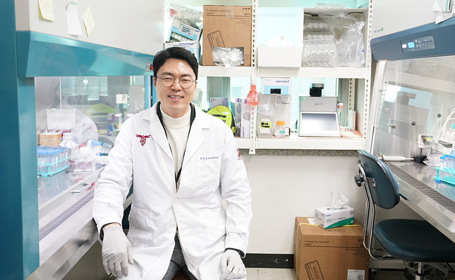 A Deep Sense of Mission Changes a Career Path, Leading to Faculty Appointment의 대표사진
